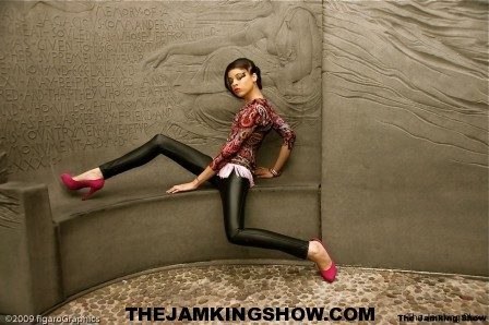 "<h3> Autunm J May 2010</h3>    <a href=""http://thejamkingshow.com/aspiringmodels/aspiring-models/autunm-j/"">autumn-10</a>"