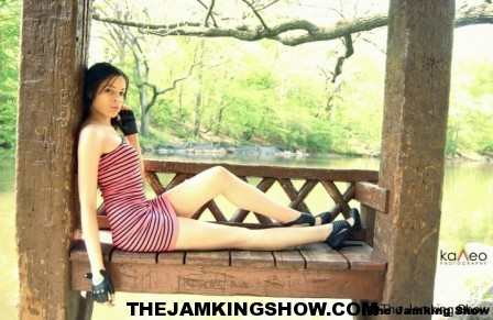 "<h3> Autunm J May 2010</h3>    <a href=""http://thejamkingshow.com/aspiringmodels/aspiring-models/autunm-j/"">autumn-33</a>"