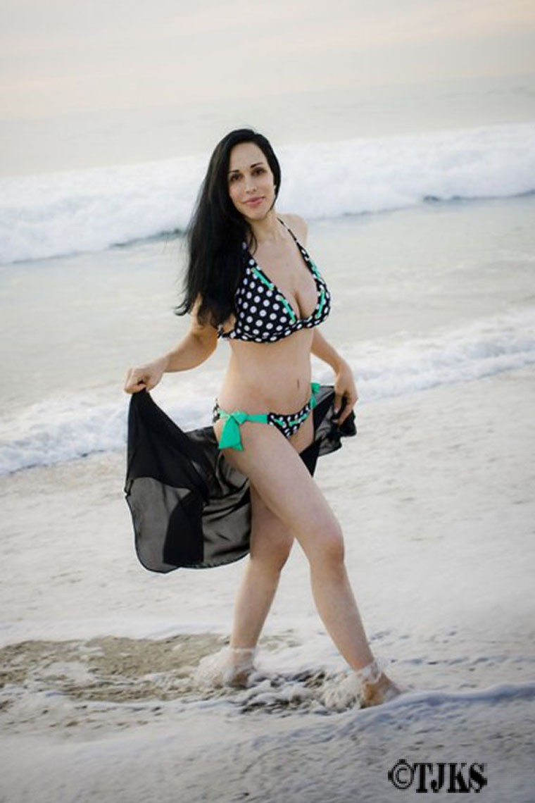 Check Out Octomom In Her Bikini!!! « The Jamking Show