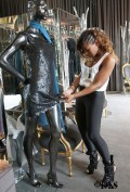 Ashanti_Shops_at_Lloyd_Klein_Couture_Boutique_in_Hollywood_7_