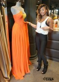 Ashanti_Shops_at_Lloyd_Klein_Couture_Boutique_in_Hollywood_8776